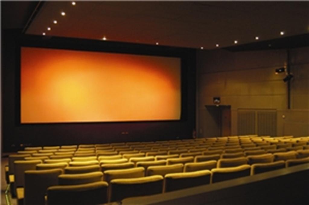 Showroom Screen 180 Seats