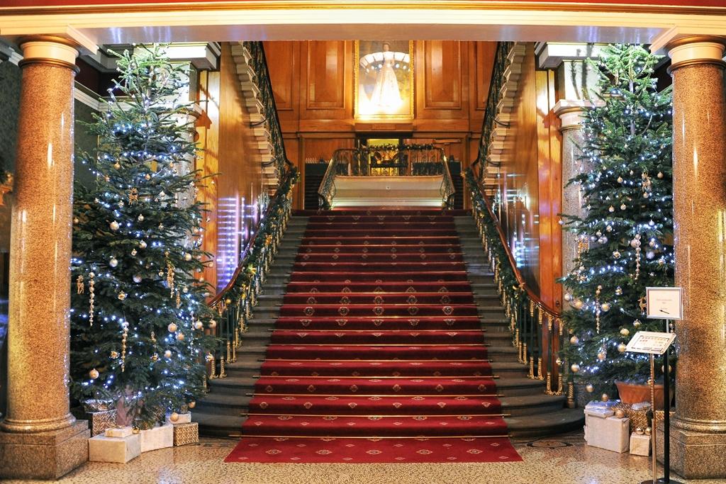 Christmas 2017 - Main Staircase