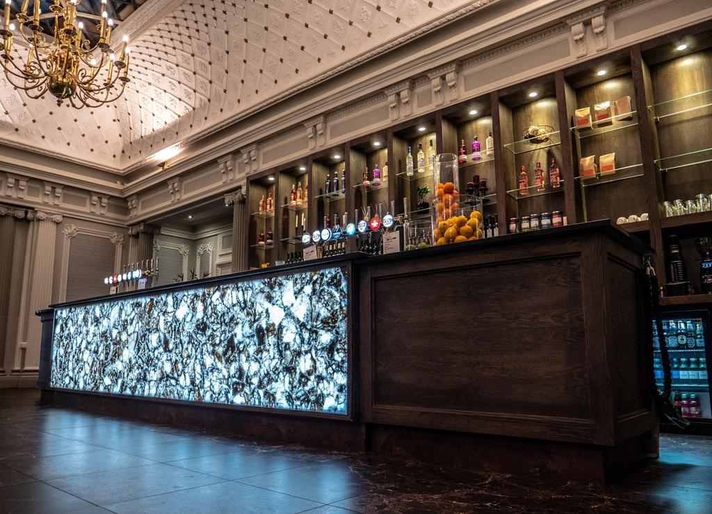 Grand Lounge Bar