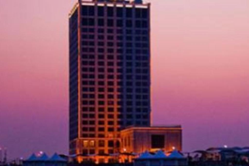 Hotel Royal Tulip on the Beach Shanghai