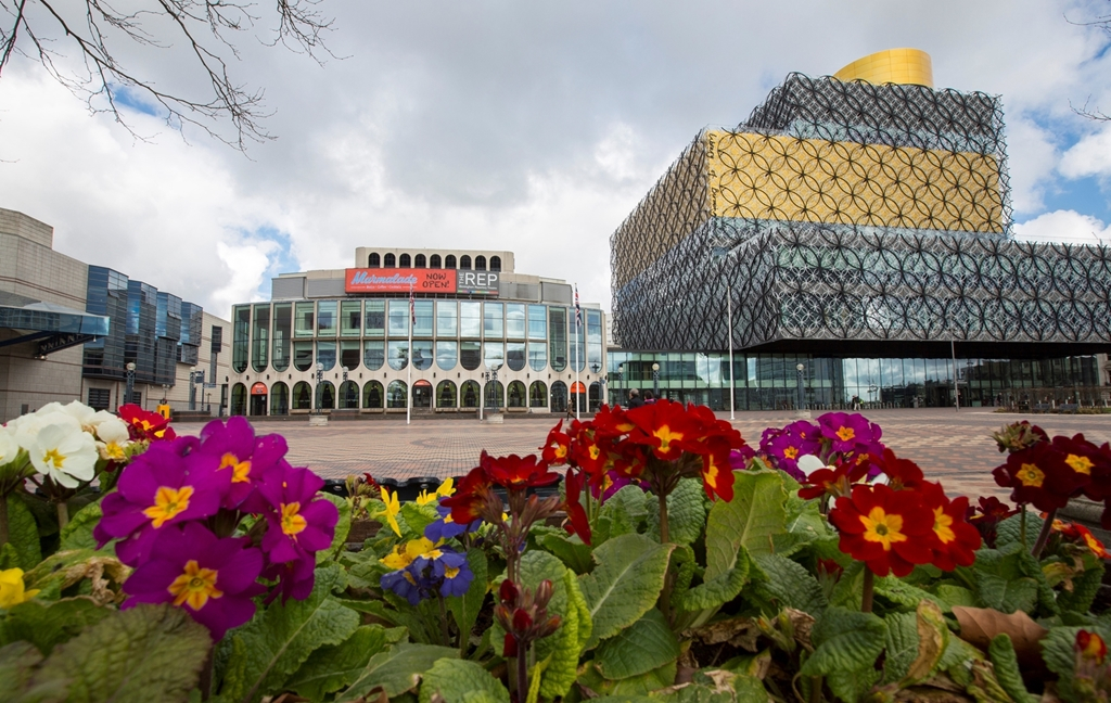 Magical land of Oz at The REP this Christmas