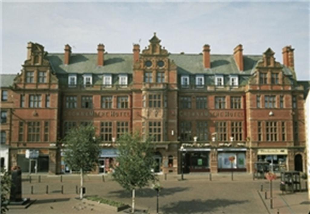 Crown & Mitre Hotel