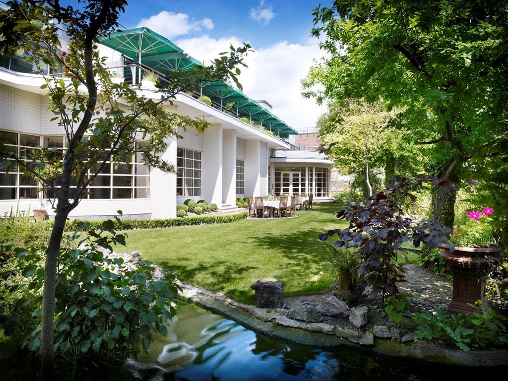 The Roof Gardens & Babylon Restaurant